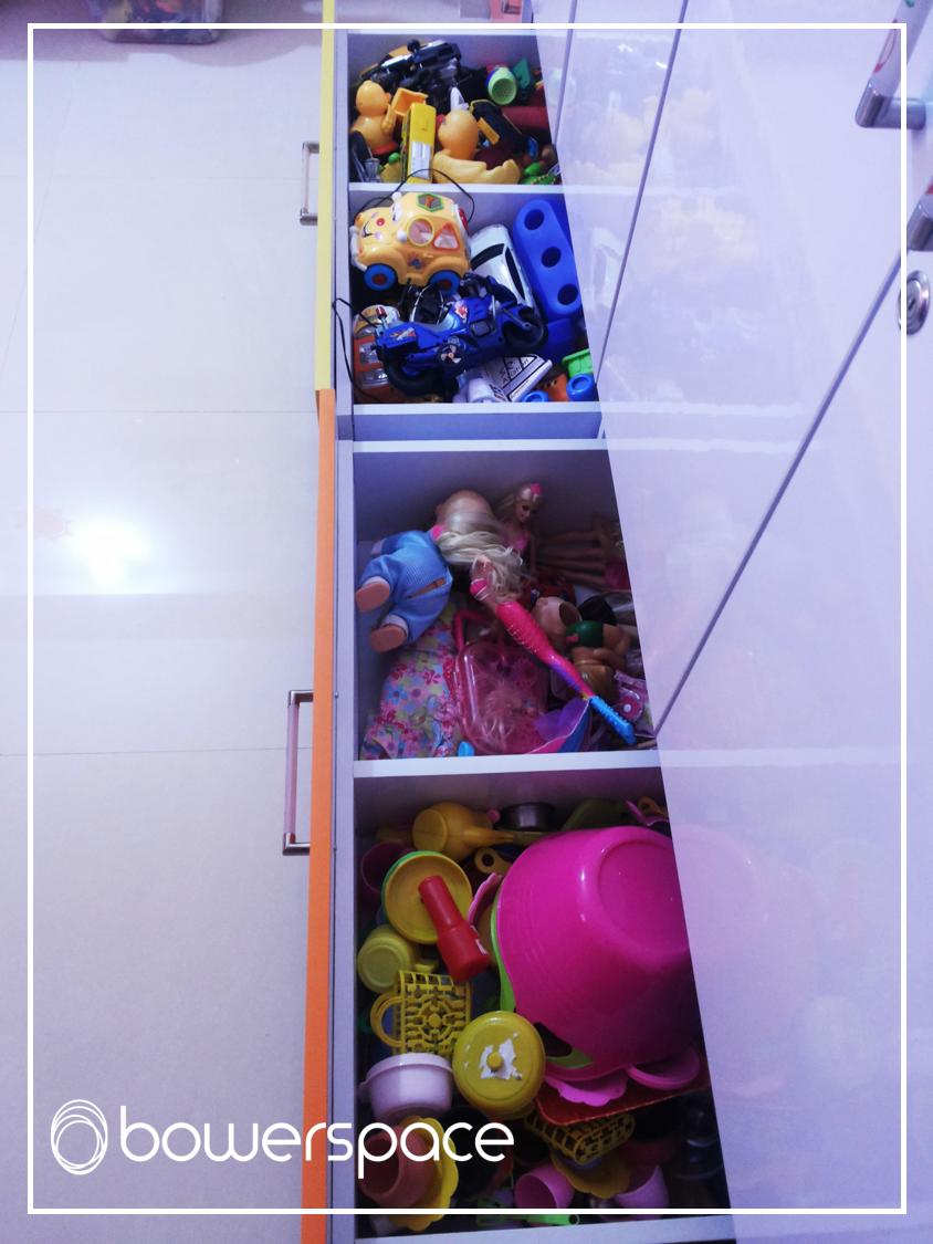 partiotioing-drawers-to-organize-toys